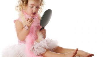 When Should You Let Your Daughter Wear Makeup?