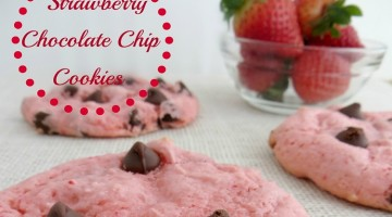 Pretty in Pink~ Strawberry Chocolate Chip Cookies