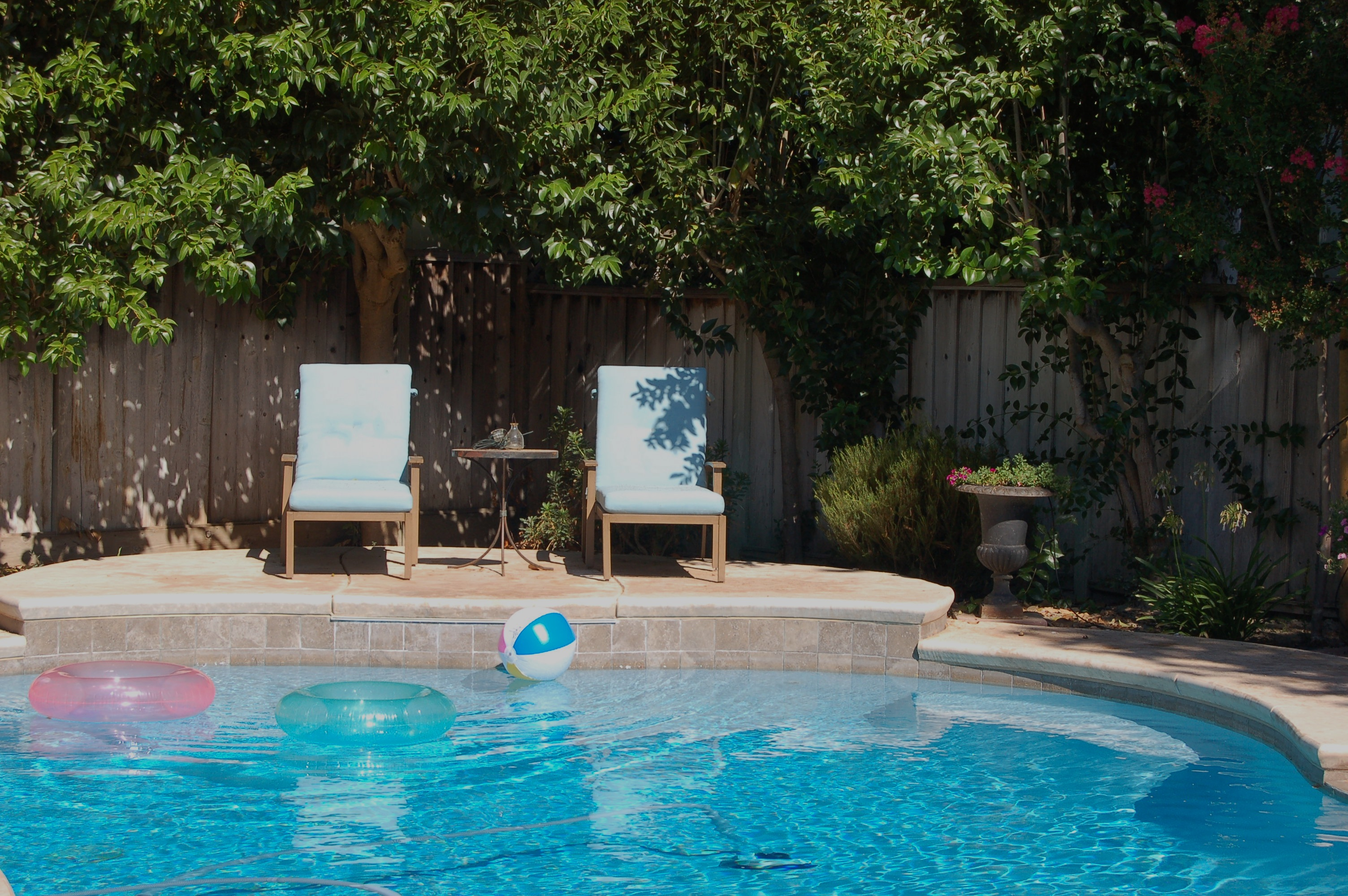 perfect water features for backyard relaxation